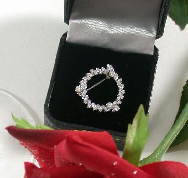 Kreis-Brosche Weissgold 585 Brillant Diamant 1,32 ct SK Meistermarke