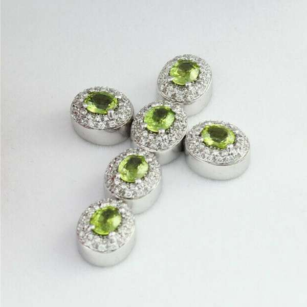 Chain pendant cross white gold 750 Peridot diamonds certifcate