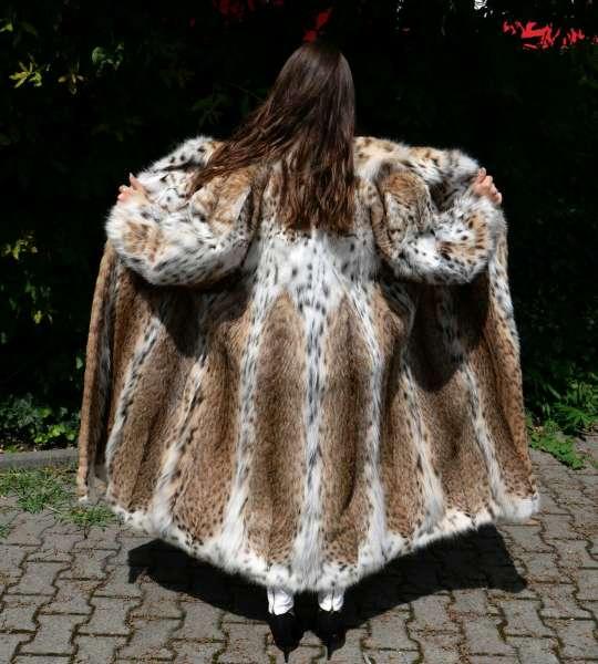 Lynx bobcat fur coat CITES certificate prime quality