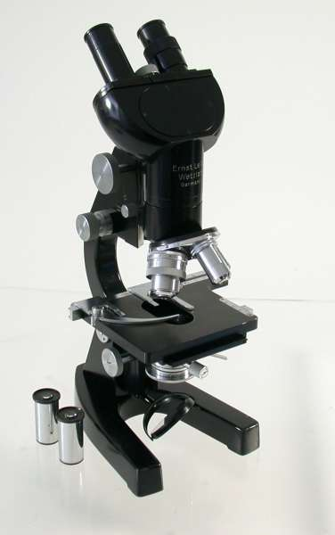 LEICA Leitz Mikroskop Forschungs Stereo top schauen