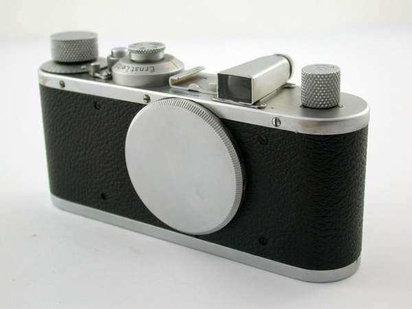LEICA Standard 1939 no. 330335 body LTM M39 Collector